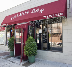 Palmos Bar (Harris Graber) Tags: bar zeiss pub wideangle queens tavern astoria r1 sonyr1 palmosbar greekbar zeiss143715mmvariosonnar