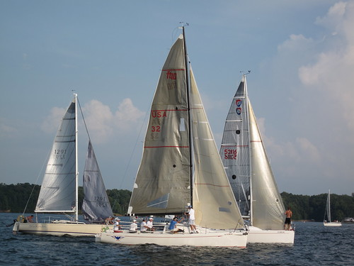 lake sailboat sailing racing lanier