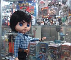 Mike pensando em que toy vai levar!!