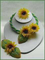 SunflowerSet (sfbeads) Tags: flower necklace jewelry beaded choker beadwork seedbeads beadweaving