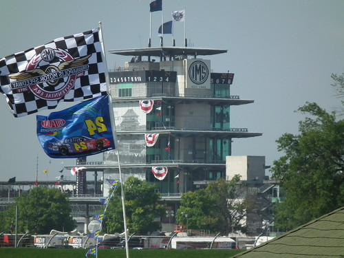 Practice and Qualifying, flags and pagoda