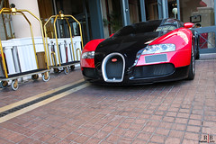 Bugatti Veyron (Raphaël Belly Photography) Tags: car french photography eos hotel bahrain riviera photographie cannes emirates belly exotic arab passion arabian raphael majestic bugatti barriere spotting supercars veyron 500d bahreïn