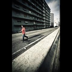 johnnie. (Fernando Delfini) Tags: street city red urban man colors lines contrast canon buildings walking photography high cosmopolitan shadows post walk sopaulo wide sampa sp processing fernando desaturated straight edition vignette muted minhoco 1740l delfini 17mm keepwalking elevadocostaesilva 5dmarkii wwwfernandodelfinicom