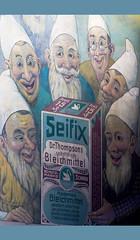 (michael_hamburg69) Tags: germany deutschland dwarf hamburg bleach commercial werbung schwan reklame dwarves zwerge bleichmittel seifix historisch whitener seifen hoheluft schutzmarke 1920er hoheluftchaussee83 hoheluftschaussee drthompsons