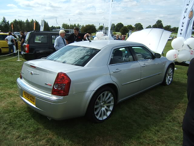 c september chrysler 300 2009 srt fe59ozo