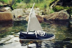 Bon voyage!! (de l'autre ct de la lune) Tags: voyage bon water shoe this book boat is waterfall little brother dam floating sail vans shoeasaboat