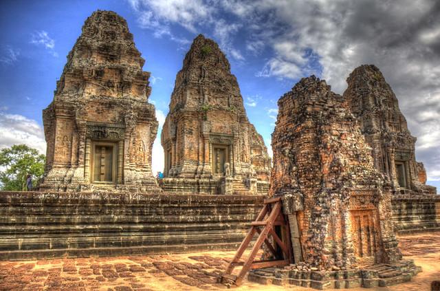 Angkor Wat 4 Towers HDR