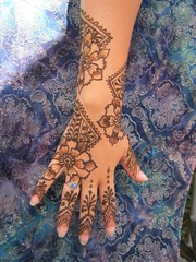fun mix of floral and morocan (ReMarkable Blackbird) Tags: wedding party art festival tattoo artist photoshoot gray maine festivals images henna mehendi mehndi hire porltand mehandi remarkableblackbird festivalhenna