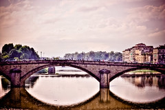 Bridge in Firenze (HDR) (Stuart L. Crawford) Tags: bridge pink sky italy digital canon river rebel florence tuscany firenze arno hdr 450d