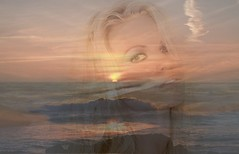 La nia de la playa... (conejo721*) Tags: sol argentina mar amor playa cielo palabras mardelplata orilla sentimiento poesa poema rostrodemujer conejo721