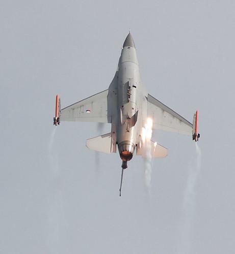 RNAF F-16