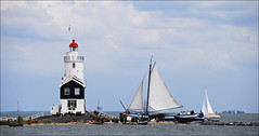 Paard van Marken (leuntje) Tags: lighthouse holland netherlands marken tjalk ijsselmeer noordholland sailingboats markermeer paardvanmarken leuropepittoresque formerisland gettyimagesbeneluxq2