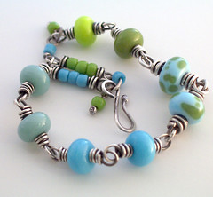 kelleys green and blue beads 004 (Lune2009) Tags: green glass lune aqua handmade turquoise bracelet lime lampwork sterlingsilver applegreen wirewrapped lunedesigns icebergblue