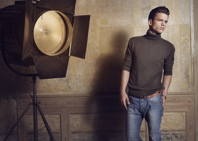 Simon Nessman0100_Blanco FW10(angel_inside@mh)