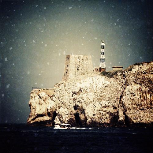 フリー写真素材, 自然・風景, 灯台・ライトハウス, 雪, 海岸, イタリア,