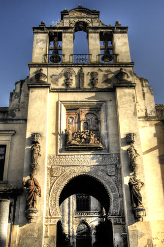 The forgiveness gate. Seville. La puerta del perdón. Sevilla.