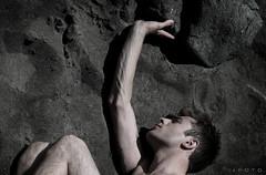 muir.1 (alex.calder.2) Tags: beach sand rocks playa arena veins lust lush muirbeach rocas brazos beachsand venas youngguy shirtlessguy boyonbeach fotoartistica alexcalder muirbeachca chicoguapo veiney thebestofday gnneniyisi ihavethemoon chicojoven americayouth chicoenplaya chicosincamisa caldermarambio
