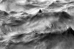 Onades (Pere Nubiola) Tags: sea bw water canon is long exposure waves explore catalunya s3 palamos powershow