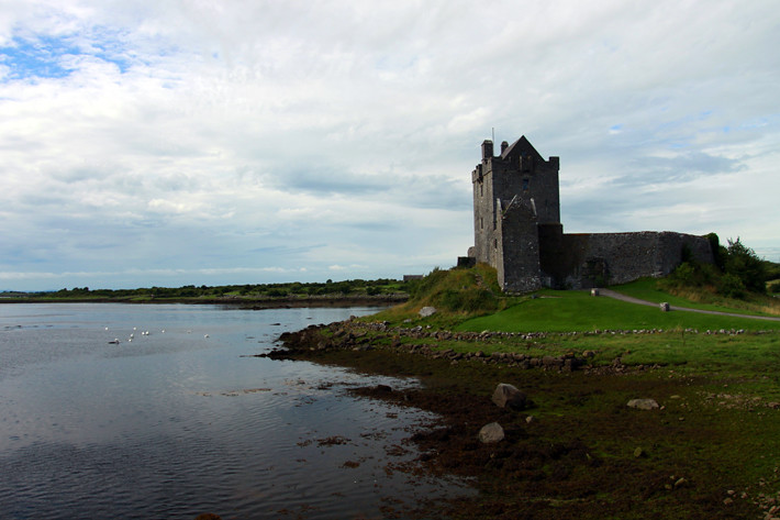072910_dunguaireCastle