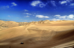 Huacachina (100,000 views of my stream!) (Fil.ippo) Tags: perù huacachina ica sand dunes dune desert deserto filippo raw mygearandmepremium mygearandmebronze mygearandmesilver mygearandmegold mygearandmediamond bestcapturesaoi artofimages cpl polarizzatore polarizer d5000 filippobianchi