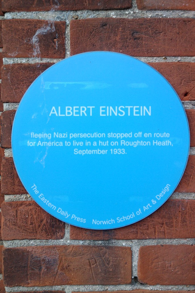 Photo of Albert Einstein blue plaque