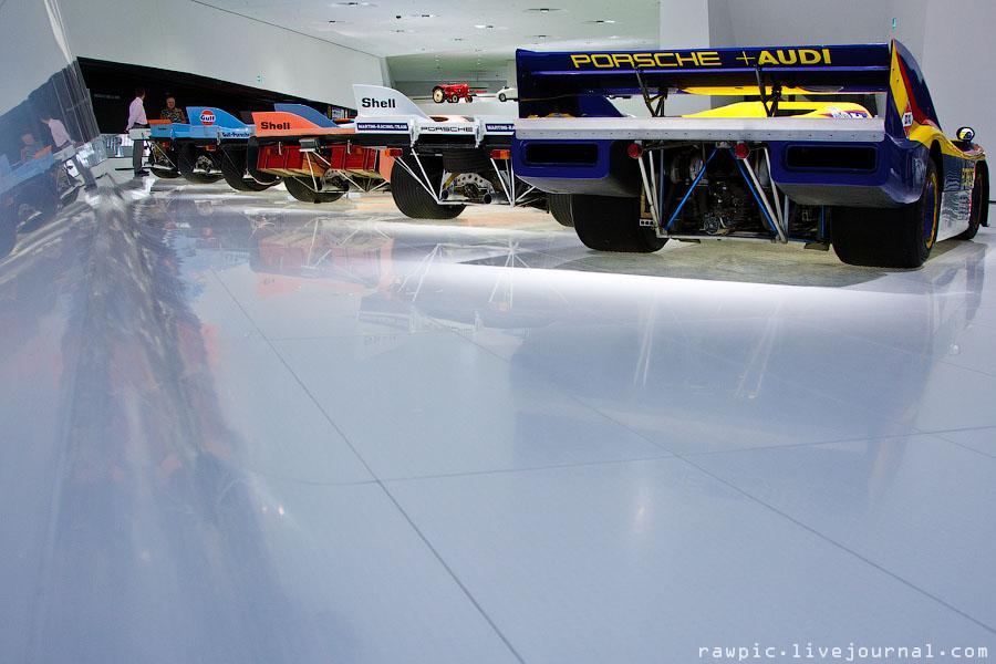 Porsche_museum180