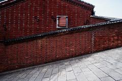 S -slope- (totoron_) Tags: red window wall nikon bricks s nagasaki slope d700