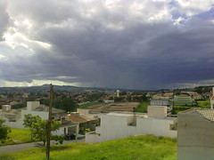 Chuvo (Fernando Bryan Frizzarin) Tags: brazil cloud rain brasil clouds chuva sp nuvens nuvem strom limeira