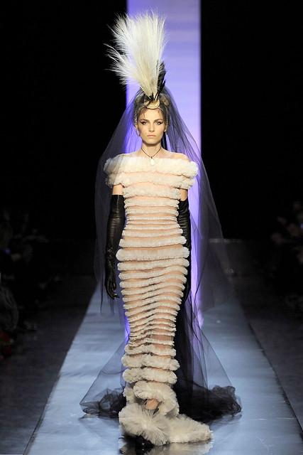 Andrej Pejic3128_Jean Paul Gaultier Couture(VOGUEcom)