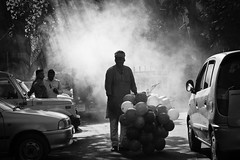 balloon seller in black and white (nandadevieast) Tags: travel india bombay mumbai balloonseller anuragagnihotri nandadevieast
