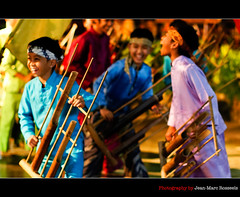 Joy and Happiness (jean-marc rosseels) Tags: school music colors kids canon children indonesia java stage joy happiness bamboo laugh bandung westjava musicinstrument musicschool angklung canon7d