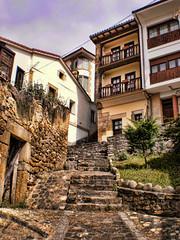 En las profundidades de Lastres (mklgzm) Tags: viaje puerto pueblo asturias paisaje verano urbano casas balcon vacaciones colunga escaleras lastres piedra asturies doctormateo sanmartindelsella