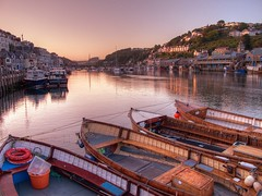 The sun goes down at Looe (rosyrosie2009) Tags: uk bridge pink sunset sea england seascape water beautiful port canon river landscape photography coast flickr cornwall photos ps hdr looe westcountry westernmorningnews photomatix southwestcoastpath tonemapped g10 devonandcornwall looebay rosiesphotos westernmorningview perfectsunsetssunrisesandskys canong10 rosiespooner rosyrosie2009 rosemaryspooner rosiespoonerphotography