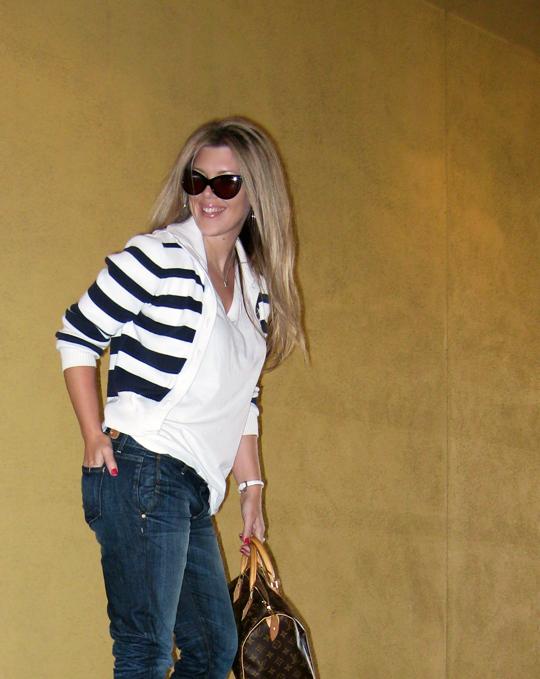 jeans+lace up boots+t shirt+striped cardigan+louis vuitton bag-12