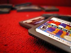 Jogo de cartas (FaruSantos) Tags: macro vermelho videogame nintendods jogos gba meteos