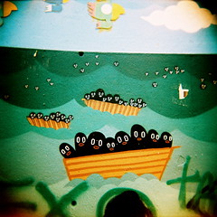 conguitos (Karen F.H) Tags: barcelona 120 6x6 film analog mediumformat holga lomo xpro lomography crossprocessed procesocruzado crossprocess bcn picture 200asa squareformat analogue dibujo developed e6 calles raval barna lomografia cruzado analogico reveladocruzado callejear medioformato lomographyfilm formatocuadrado lomographycolorslidexpro200