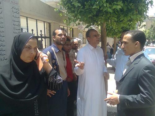 امام المستشفى حيث يحتجز محمد صلاح