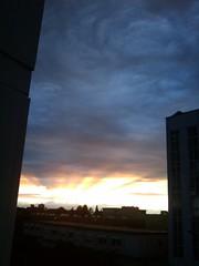 Himmel_ueber_Fellbach-2 (robert.linden) Tags: sunset sky clouds wolken sunbeams fellbach himme sonnenunterganz