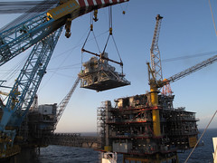 New HRSG on Oseberg D (thulobaba) Tags: norway energy crane engineering northsea statoil oseberg saipem heavylift sscv