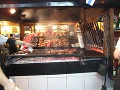 Call that a grill?! (Sam Kelly) Tags: city urban southamerica uruguay américa capital ciudad meat grill parrilla urbano montevideo carne asado capitalcity américadelsur mercadodelpuerto latinoamérica ciudadcapital