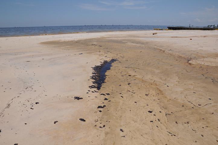oil bar on the beach_7623 web
