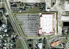 footprint of Walmart Supercenter, Sarasota County (via Google Earth, markings by me)
