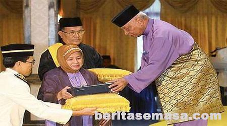 4795572869 776b0589df Gelaran Datuk Dah Bersepah Sekarang !!