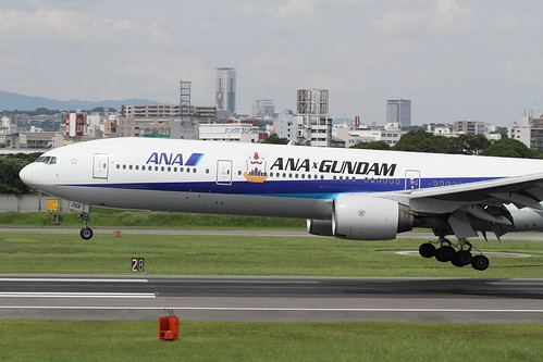The first flight of ANA's GUNDAM JET approaching to RJOO (3)