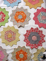 PP flowers on Kona snow (flossyblossy) Tags: snow english paper quilting patchwork kona piecing