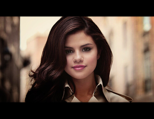 Selena Gomez - Round And Round Photoshoot. Digan gracias. Say Thanks :)