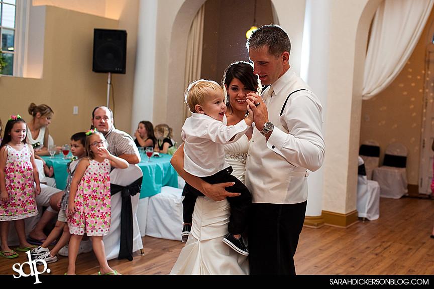 Kansas City wedding reception photos, the Villas