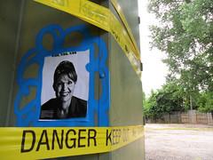 Feliz Cumple, Ana (Ana Botella Crew) Tags: usa streetart poster graffiti stencil minneapolis cumpleaos contenedores reciclaje medioambiente eeuu vandalismo arteurbano pegamento anabotellacrew