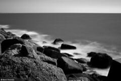 Crude sea acting soft 2 (Zunmark) Tags: longexposure sea blackandwhite bw glass stone canon 1855 zw weldingglass 1000d