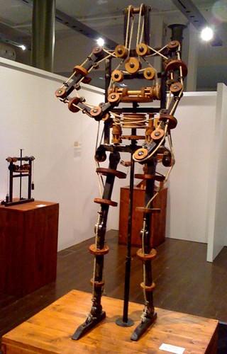 DaVinci's wooden robot